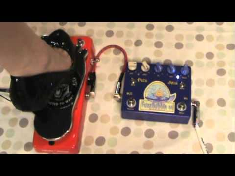 Surf with the Analog Alien FuzzBubble-45 fuzz face distortion pedal!